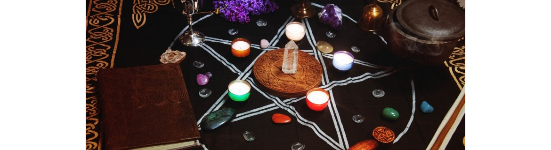 Boutique ésotérique : Magie Blanche, Chaudron, Grimoire, calice, Athamé, sorcellerie
